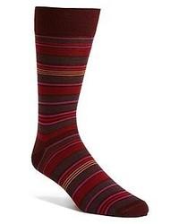 Темно-красные носки в горизонтальную полоску