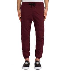 Темно-красные спортивные штаны