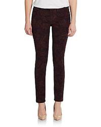 Темно-красные узкие брюки с принтом
