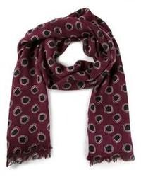 Темно-красный шарф в горошек