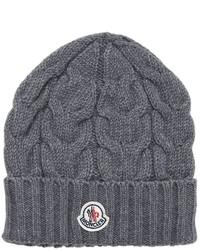 Темно-серая шапка