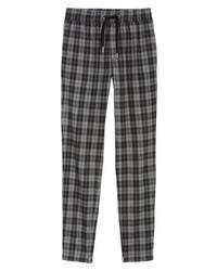 Темно-серые брюки чинос в шотландскую клетку