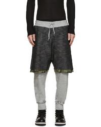 Темно-серые спортивные штаны с камуфляжным принтом