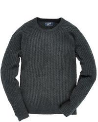 Темно-серый вязаный свитер