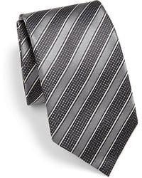 Темно-серый галстук в горизонтальную полоску