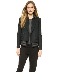 Темно-серый двубортный пиджак