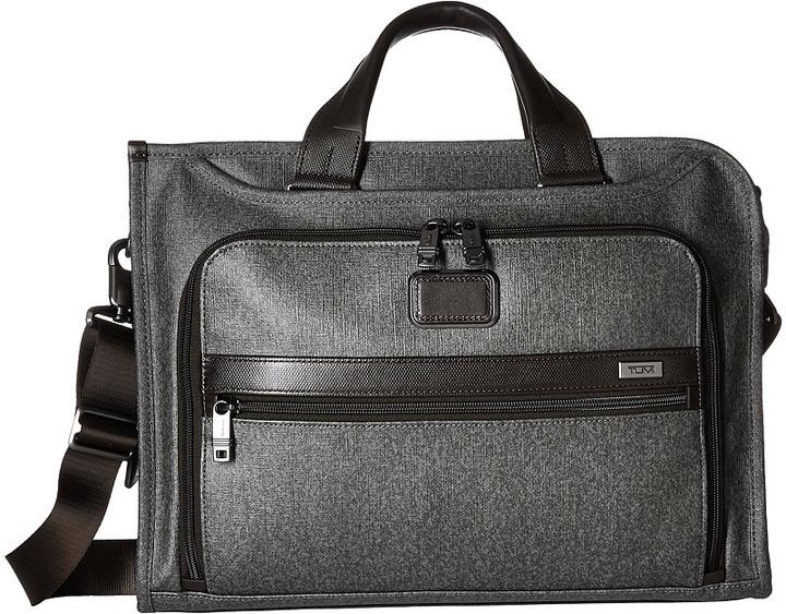 Мужской темно-серый портфель от Tumi   Где купить и с чем носить ea0c3cffd93