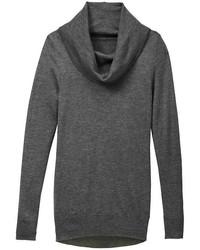 Темно-серый свитер с хомутом