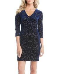 Темно-синее бархатное платье-футляр
