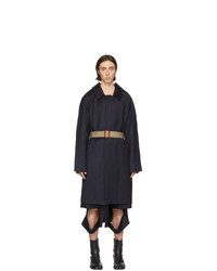 Темно-синее длинное пальто от Maison Margiela