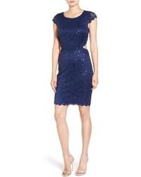 Темно-синее кружевное облегающее платье