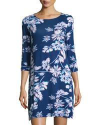 Темно-синее платье прямого кроя с цветочным принтом