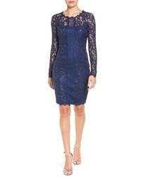 Темно-синее платье-футляр с пайетками
