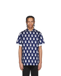 Темно-сине-белая рубашка с коротким рукавом с принтом