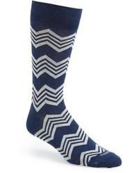 Темно-сине-белые носки в горизонтальную полоску