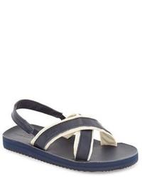 Темно-сине-белые сандалии