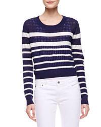 Темно-сине-белый короткий свитер в горизонтальную полоску