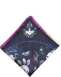 Темно-сине-белый шарф с принтом