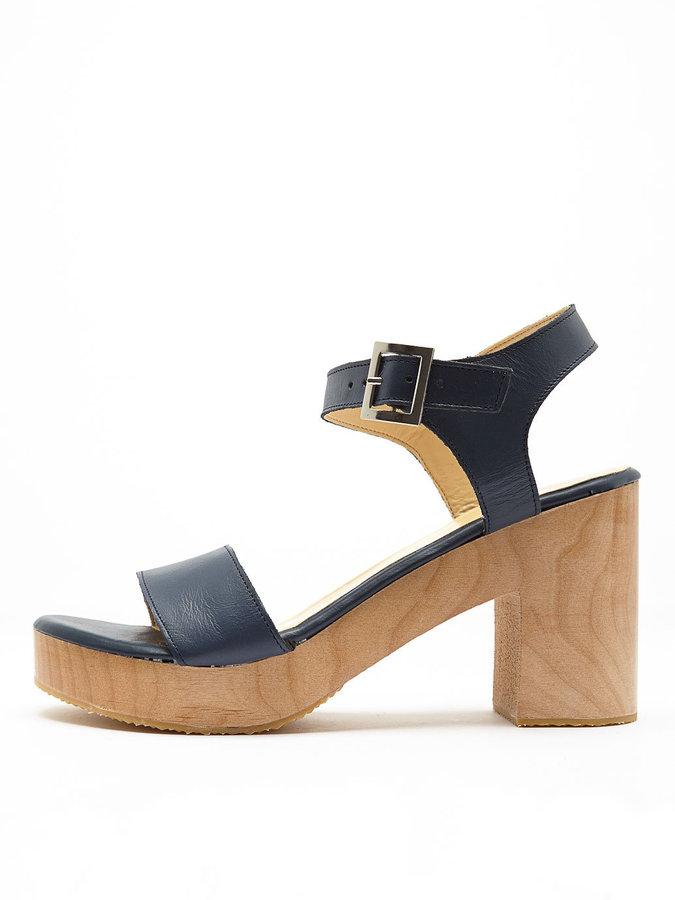 Женские темно-синие кожаные босоножки на каблуке от American Apparel ... f70eafe68e2
