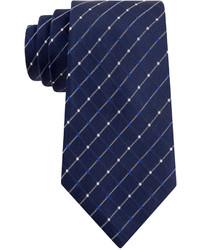 Темно-синий галстук в клетку