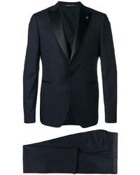 Темно-синий костюм-тройка от Tagliatore