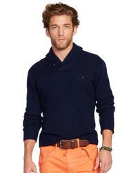 Темно-синий свитер с отложным воротником