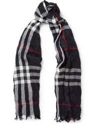 Мужской темно-синий шарф в шотландскую клетку от Burberry