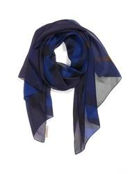 Темно-синий шелковый шарф с принтом