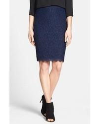 Темно-синяя кружевная юбка-карандаш