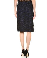 Темно-синяя кружевная юбка-карандаш от Nina Ricci