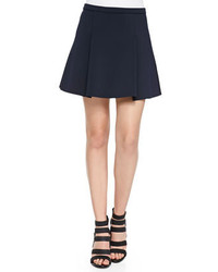 Темно-синяя мини-юбка со складками