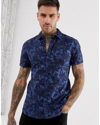 Мужская темно-синяя рубашка с коротким рукавом с цветочным принтом от BLEND