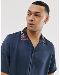 Мужская темно-синяя шелковая рубашка с коротким рукавом с цветочным принтом от ASOS DESIGN
