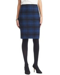 Темно-синяя юбка-карандаш в шотландскую клетку