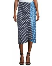 Темно-синяя юбка-миди в горизонтальную полоску