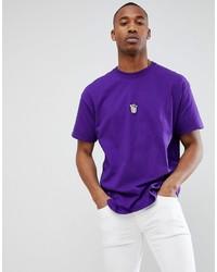 Фиолетовая футболка с круглым вырезом