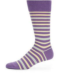 Фиолетовые носки в горизонтальную полоску