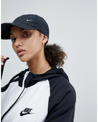 Женская черная бейсболка от Nike