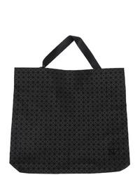 Черная кожаная большая сумка от Bao Bao Issey Miyake