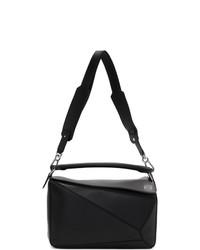 Черная кожаная большая сумка от Loewe