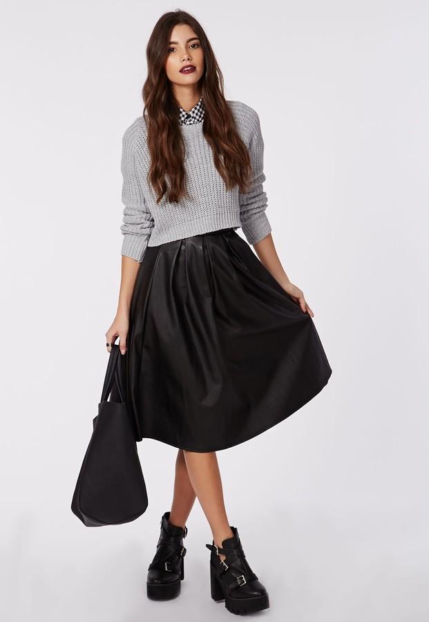 С чем одевать пышную черную юбку