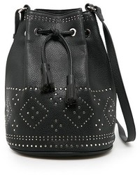 Черная кожаная сумка-мешок с украшением