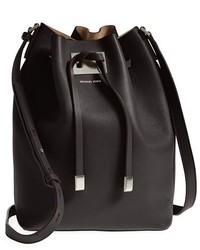 Черная кожаная сумка-мешок