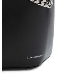 Черная кожаная сумка-мешок от Alexander McQueen