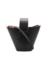 Женская черная кожаная сумка-мешок от Carolina Santo Domingo
