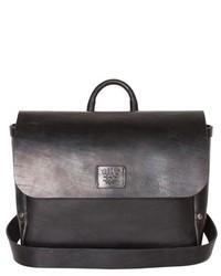 Черная кожаная сумка почтальона