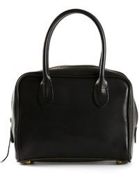 Черная кожаная сумочка