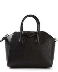 Черная кожаная сумочка от Givenchy