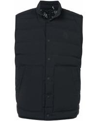 Черная куртка без рукавов