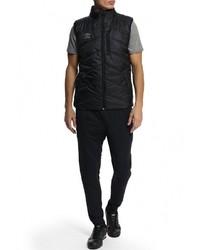 Мужская черная куртка без рукавов от Umbro